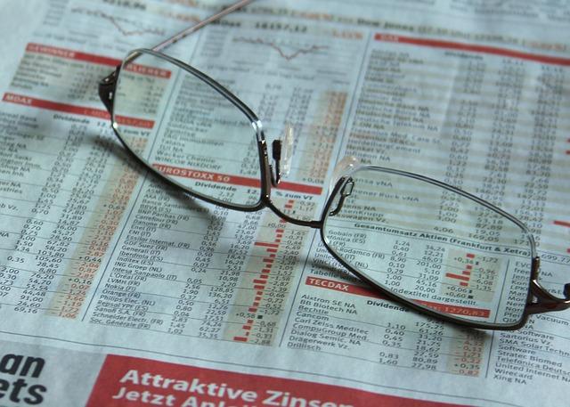 Invertir en la bolsa requiere de información constante